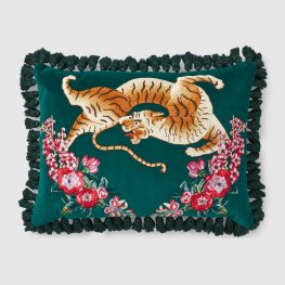 482742_ZAF17_3608_001_100_0000_Light-Velvet-cushion-with-tiger-embroidery